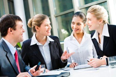 Как влиться в новый коллектив на работе и завоевать доверие сослуживцев