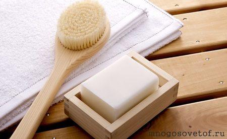 Массажная щетка для сухой чистки кожи тела.